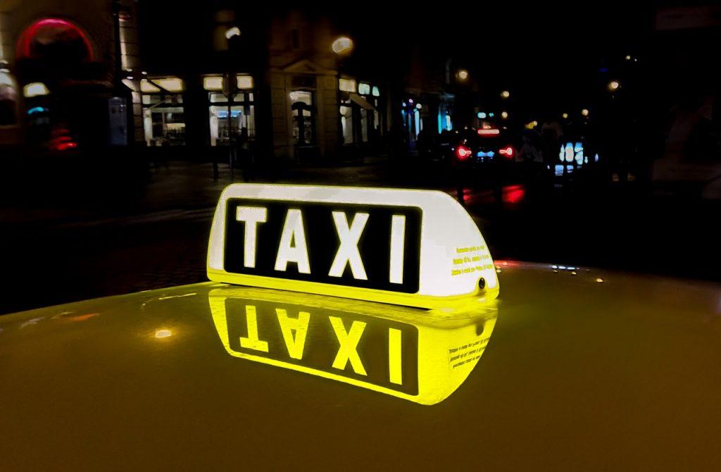 Véhicule taxi